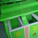 深圳市民支持利用分类垃圾桶使垃圾分类