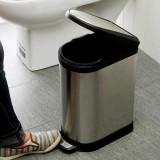 你们知道家里垃圾桶长蛆是什么体验吗!