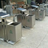 户外不锈钢垃圾桶是怎么熬过的一天