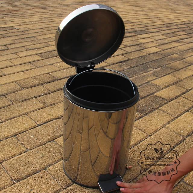 圆形脚踏式不锈钢垃圾桶图片004