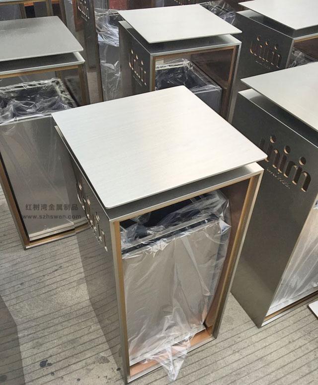室内不锈钢垃圾桶图片004
