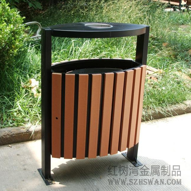 安徽合肥三河景区古镇垃圾桶图片