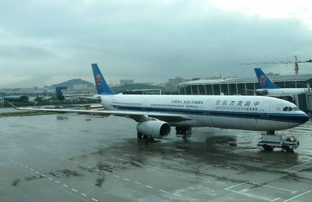 深圳机场三筒室内不锈钢分类垃圾桶案例