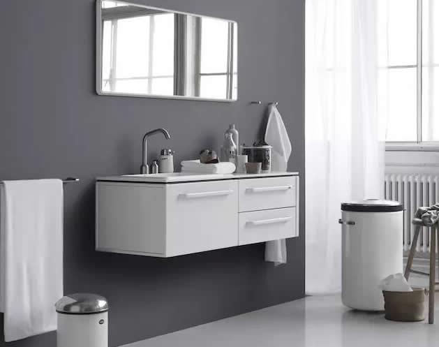 卫浴系列首款脚踏式不锈钢垃圾桶