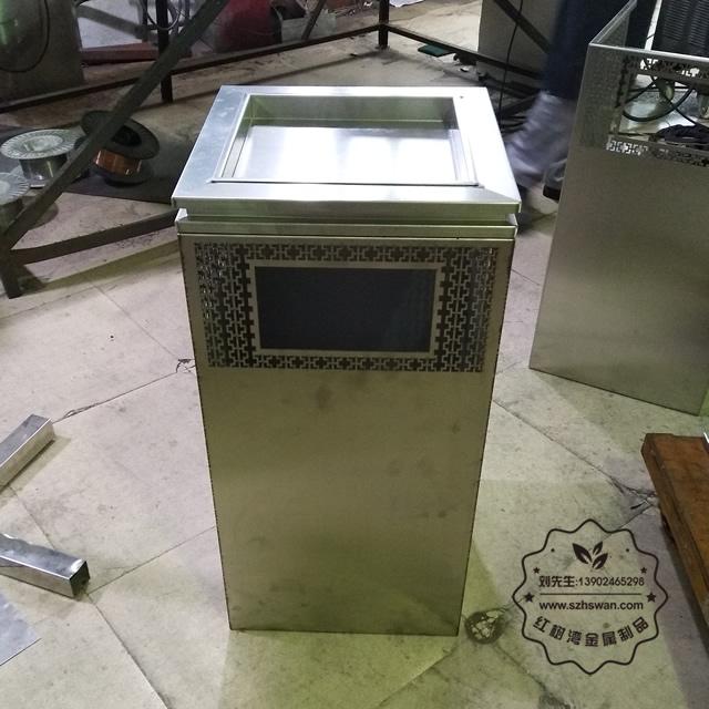 304不锈钢垃圾箱
