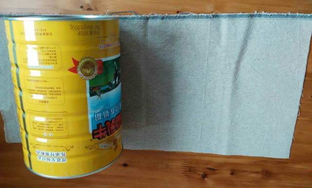 用奶粉罐手工制作分类垃圾桶图片001
