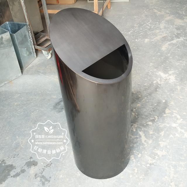 斜口不锈钢垃圾桶