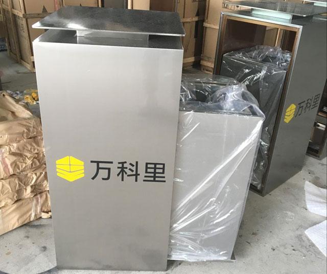 高档室内不锈钢垃圾桶成品展示