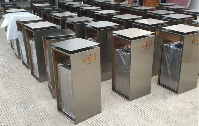 高档室内不锈钢垃圾桶批量展示图